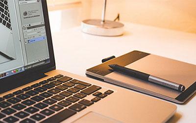 易速网络有八年网站建设设计经验